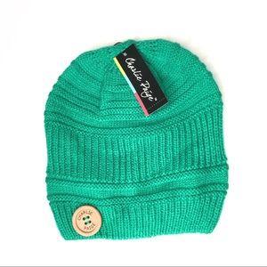 NWT Knit Button Winter Beanie